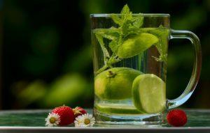 Zitronensäure ist zwar nicht so effektiv beim Ausleiten von Aluminium, hilft aber auch. Und ist auch sowieso sehr gesund!